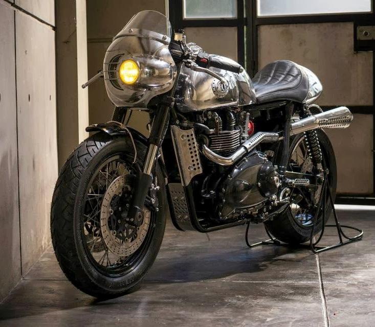 Steampunk se nevyhýbá ani úpravě motocyklů, Zdroj: returnofthecaferacers.com