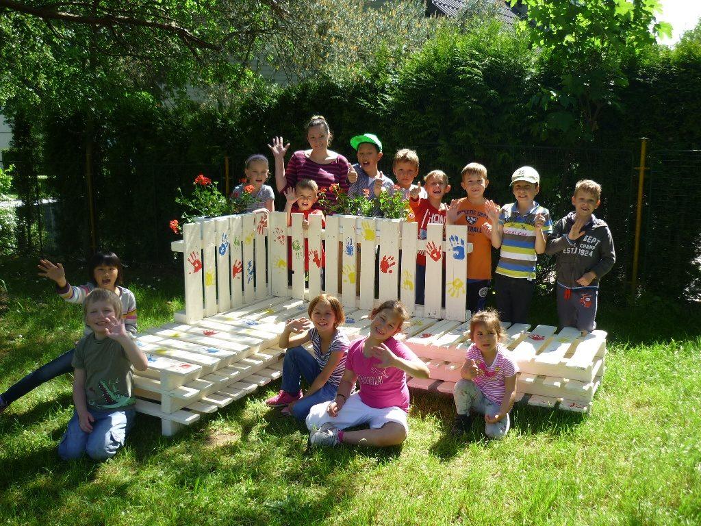 1. Místo v kategorii skupin, Lavička přátelství, autor: žáci ZŠ Rozvadov, zdroj: Balakryl